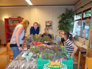 plantjes en Luuk en nina 001