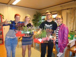 plantjes en Luuk en nina 002
